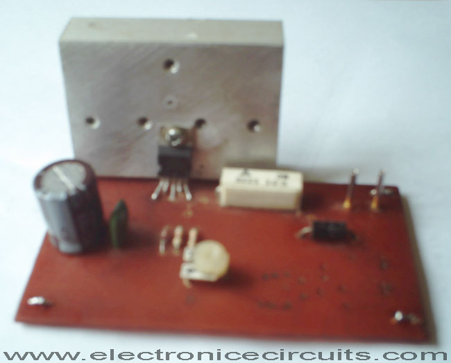 l200 12v constant voltage battery charger circuit electronic please